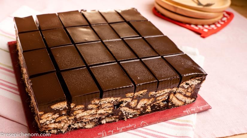 Kek Batik Marie Dengan Topping Coklat Ganache